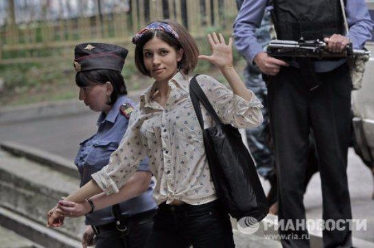 Экс-участницу Pussy Riot задержали в Москве