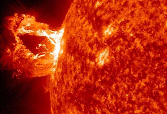 На солнце зафиксирована вспышка высокого класса
