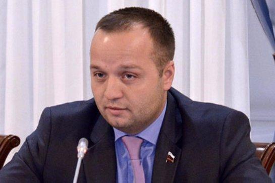 Сенатор РФ Добрынин считает, что борьба с сексуальными меньшинствами только вызовет ответное противодействие