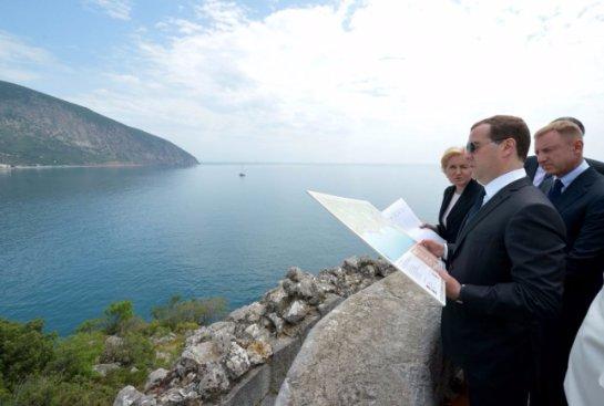 Федеральные чиновники поедут в Крым