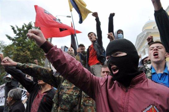 Минюст Украины не будет регистрировать УНА-УНСО: считает их пособниками фашистов
