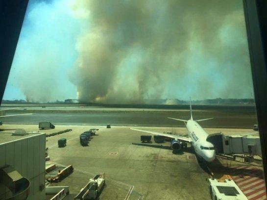Из-за пожаров прекратил функционировать римский аэропорт Фьюмичино