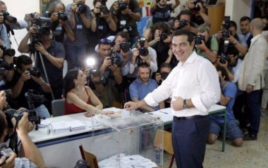 Греческий референдум означает
