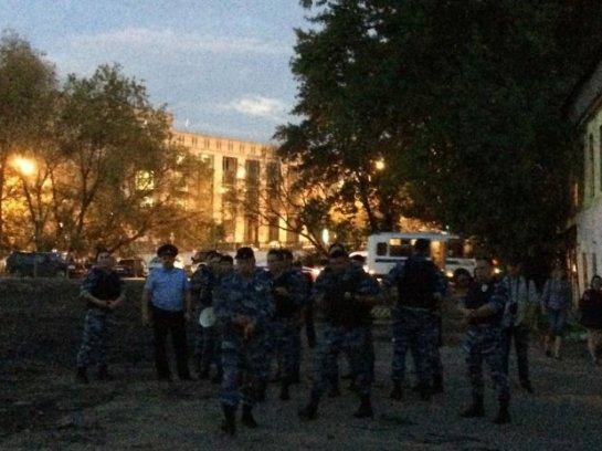 Московская полиция помешала провести акцию в поддержку политзаключенных