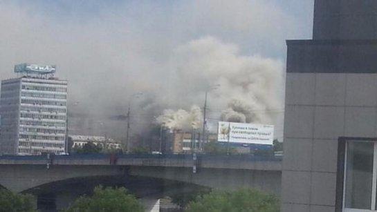 На бывшем заводе ЗИЛ в Москве вспыхнул пожар