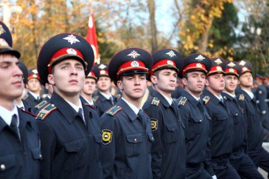 Путин распорядился сократить количество служащих в МВД