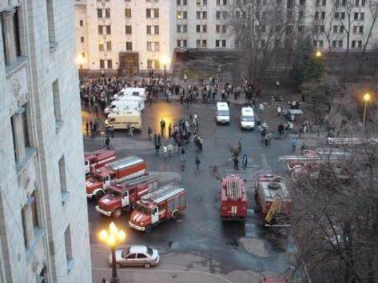В учебном корпусе МГУ удалось нейтрализировать пожар