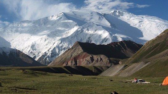 Покорение пика Ленина в Киргизии закончилось для российских альпинистов трагически