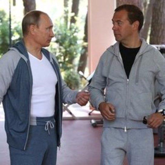 Путин и Медведев обсудили российскую экономику