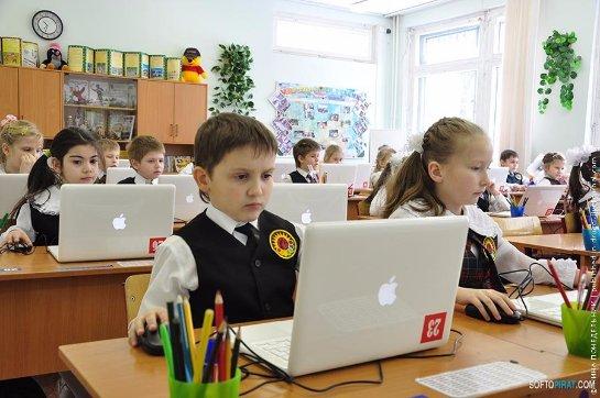 С 1 сентября дети будут учить два обязательных иностранных языка