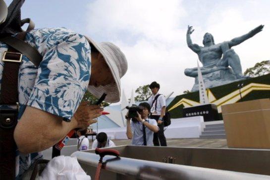 Мэр Нагасаки уверен, что нынешние американские власти должны лично посетить город и убедиться в том, что было совершено