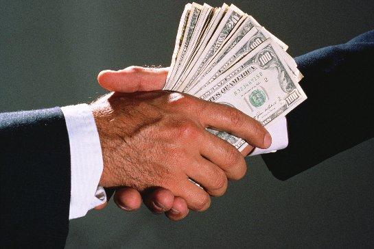 Иностранные юридические лица ответят за дачу взяток в антироссийских интересах