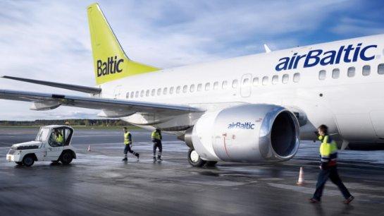 Латвийская аэрокомпания извинилась за пьяный экипаж