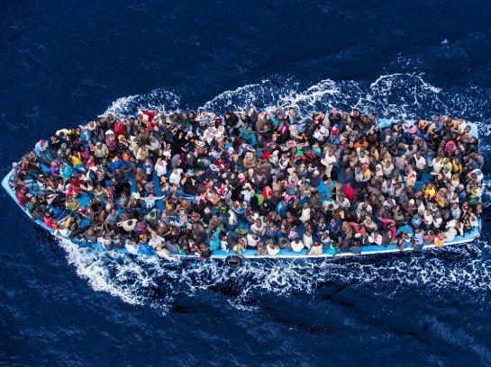 У берегов Ливии трагически затонули нелегальные мигранты