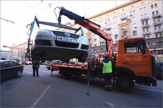В Петербурге подорожает эвакуация и хранение автомобилей