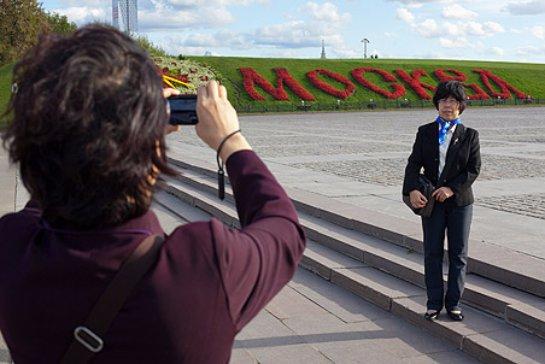 Из-за падения рубля туристам стало выгодно ехать в Россию
