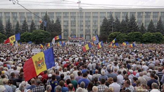 Молдавский президент не собирается покидать свой пост