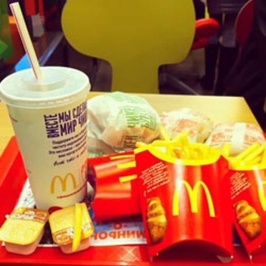 McDonald's выплатил деньгиотцу девочки, которую облили кофе