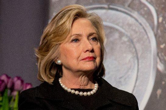 Хилари Клинтон извинилась за то, что стало известно в связи с ее электронной почтой