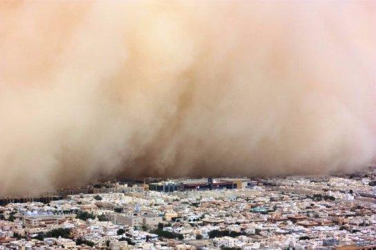 Песчаная буря в Египте не дает российским туристам вылететь домой