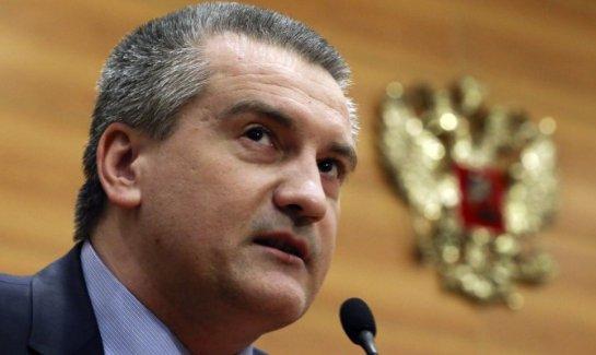 Глава Крыма попросил не присылать чиновников из Москвы