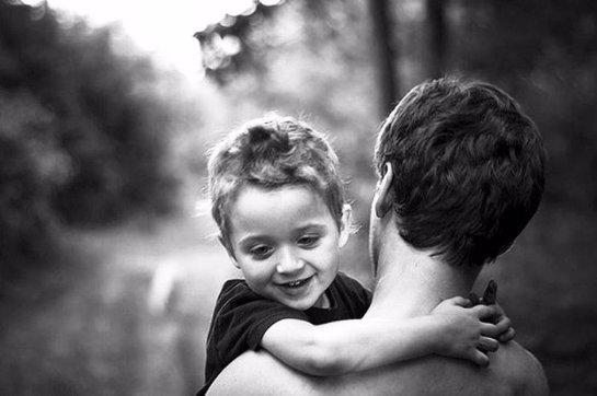 Глава семьи сильно влияет на детскую самооценку