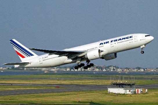 Члены профсоюза устроили беспорядки на совете директоров Air France
