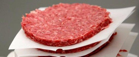 По оценкам ученых, уже через пять лет люди смогут есть искусственное мясо, которое будет стоить дешевле натурального