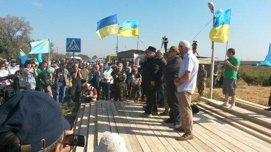 Прорвавшиеся через украинскую блокаду фуры не пустил в Крым Россельхознадзор