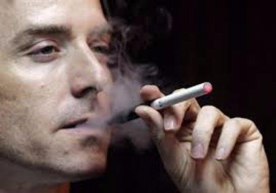 Для российских курильщиков изменили правила