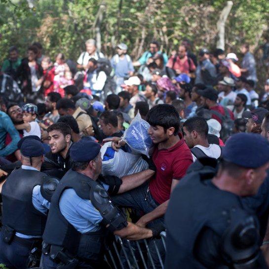 В субботу Словения приняла три тысячи беженцев