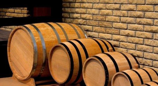 Как делают и используют дубовые бочки для алкоголя и меда