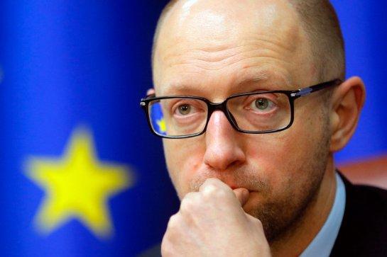 Яценюк призывает Европу не участвовать в строительстве