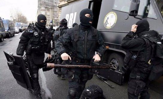 Во Франции террористка-смертница взорвала свой пояс