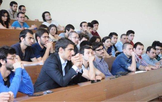 Турецкие студенты попали под давление