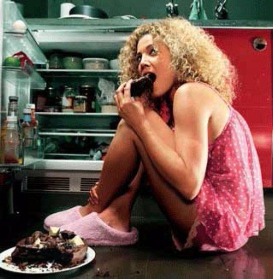 Ночная еда вредит не только весу, но и мозгу