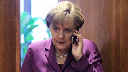 Ангела Меркель сотрудничает с британскими спецслужбами против России