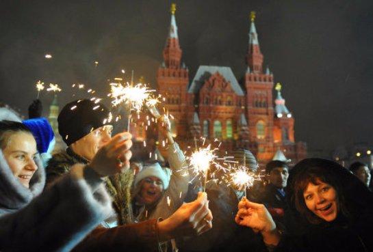 Роспотребнадзор советует россиянам встречать Новый год дома