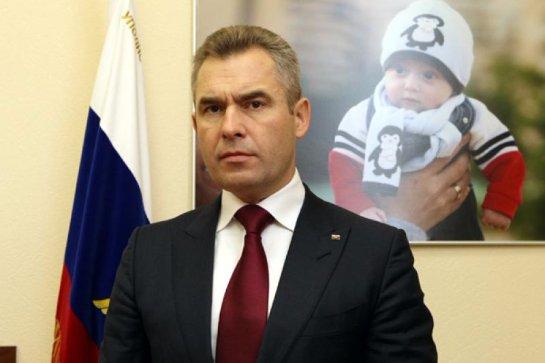 Финка русского происхождения попросила помощи у Павла Астахова