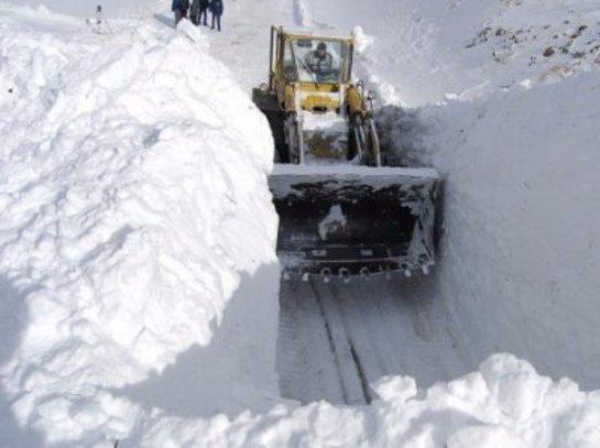 В Дагестане спасли от снежного плена 55 сел