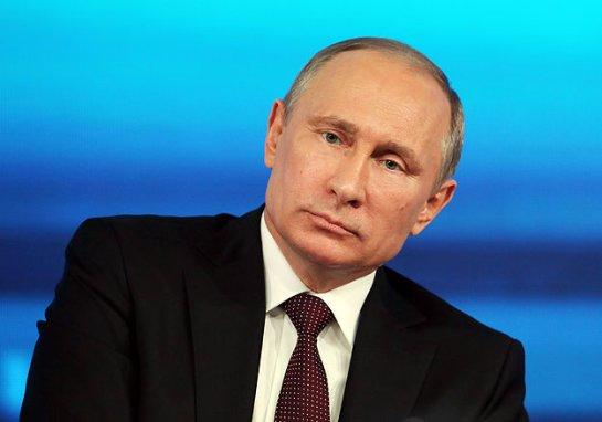 Путин заявил, что Россия не отойдет от демократического курса
