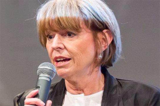 Мэр Кельна рассказала, каким способом женщины могут избавиться от домогательств на улице