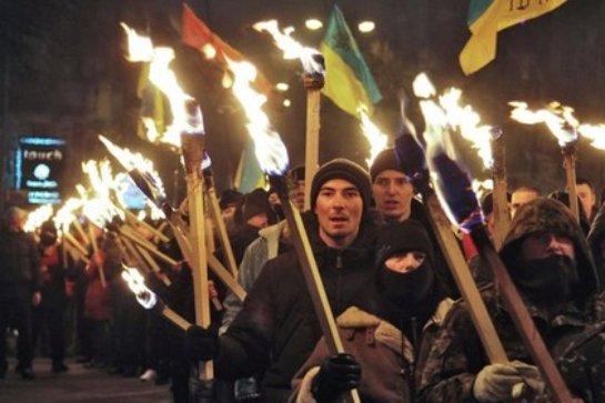 Аксенов прокомментировал парад в честь Степана Бандеры, который прошел в Киеве
