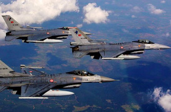 Турецкие военные самолеты нарушили греческое воздушное пространство