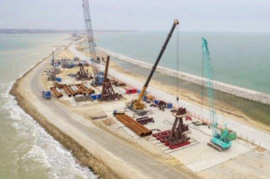 Турецкий сохугруз повредил крымский мост