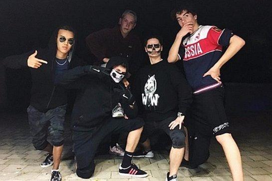 Порошенко заявил, что его сын одел «российскую футболку» лишь по случаю Хеллоуина